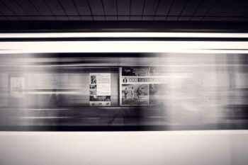 Bewegungsunschärfe Bahnhof