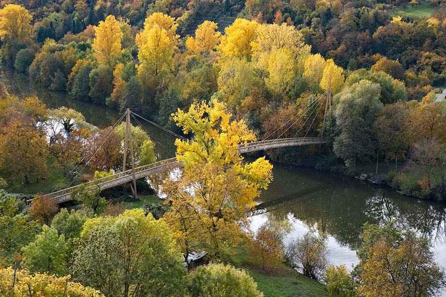 Brücke im Herbst Bildbewertung
